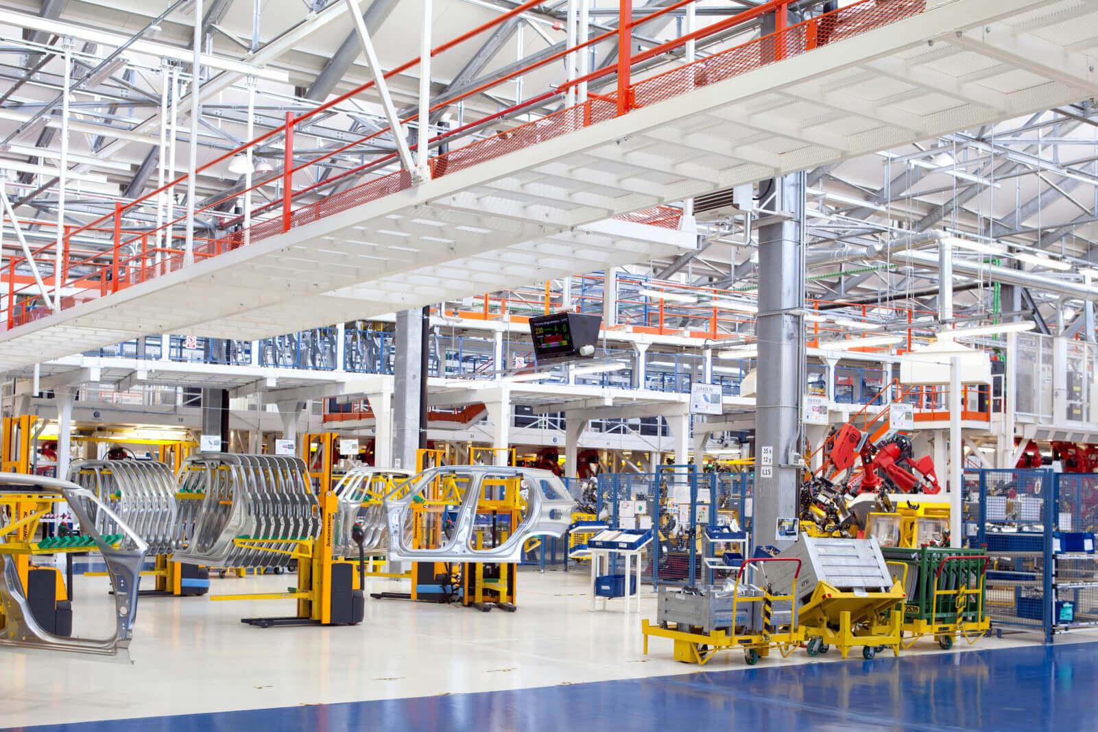 Ipari létesítmények, gyárak ellátása fényforrással, lámpatestekkel
